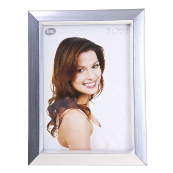 Bargain -  - $1.99 (Was $9.99) Photoframe Silver 13x18 @ Product Saver